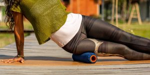 Om Roller 5-inch leg rolling with Indigo cover